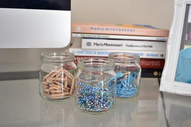 Paper clips on desk