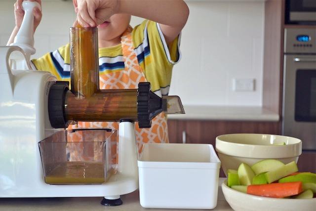 Caspar filling juicer